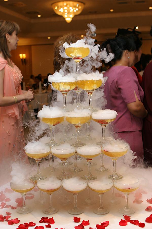 Горка из шампанского своими руками