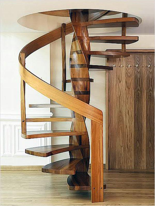 Винтовые лестницы из дерева