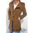 Приталенное пальто на пуговицах