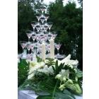Пирамиды из бокалов шампанского на праздник
