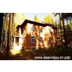 В Новосибирске, на берегу реки Обь, в живописном и экологически чистом месте продаётся коттедж.