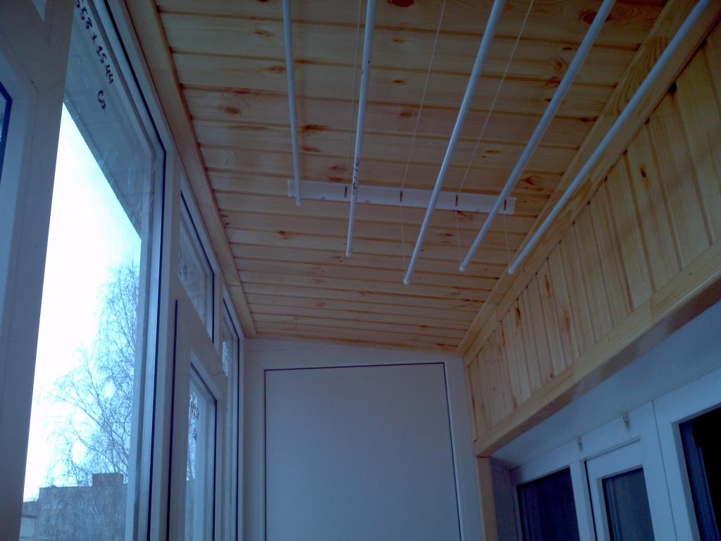 Какими материалами можно отделать балкон.